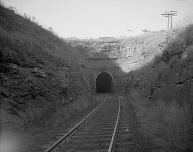 2009.026.16.12623--ritzman 4x5 negative--CStPM&O--tunnel--north of Elroy WI--1955 1008. Tunnel #4, looking north.
