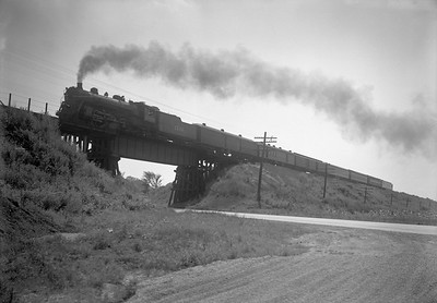 2009.026.01.14564--ritzman 5x7 negative--ICRR--steam 4-6-2 1139 on passenger train action--near Colvin Park IL--1942 0720