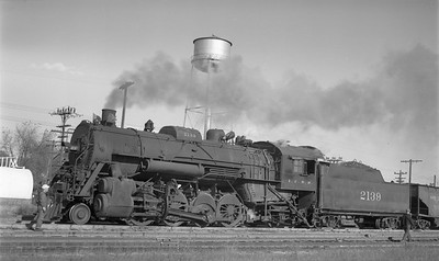 2009.026.01.14324--ritzman 116 negative--ICRR--steam locomotive 2-8-2 2139--Amboy IL--1948 1017