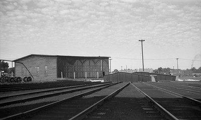 2009.026.15.14634--ritzman PC negative--NP--roundhouse and turntable--Ashland WI--1952 0906