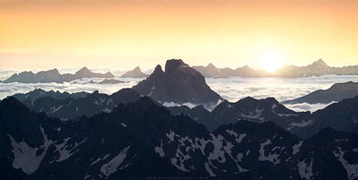 The lonely mountain - Pic du midi d'Ossau