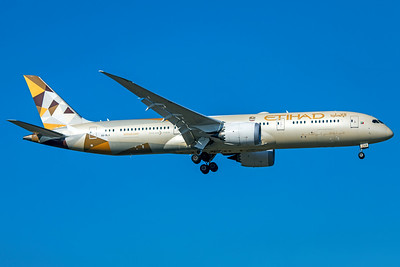 Etihad Airways Boeing 787-9 Dreamliner A6-BLG 10-21-18