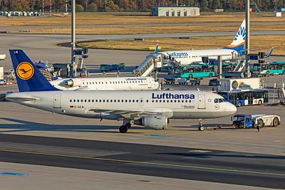 Lufthansa Airbus A319-114 D-AILM 10-21-18 2