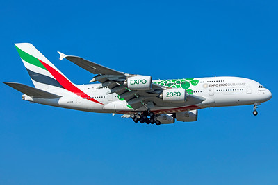 Emirates Airbus A380-861 A6-EEW 10-21-18