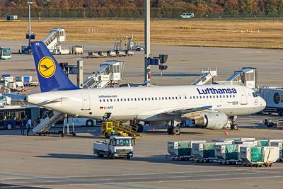 Lufthansa Airbus A320-211 D-AIPS 10-21-18