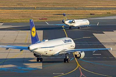 Lufthansa Airbus A319-114 D-AILM 10-21-18 3