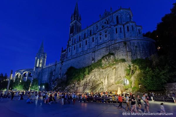 LOURDES. Reportage réalisé pendant le Pèlerinage National du 13 au 19 août 2019. Sanctuaire Notre-Dame de Lourdes. La Grotte.