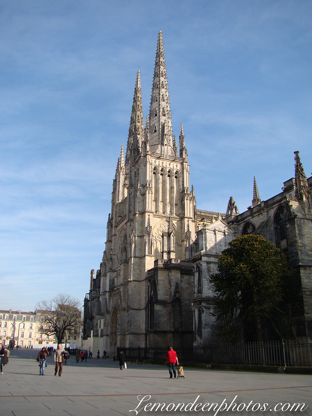 Place Pey Berland : Cathedrale et Mairie