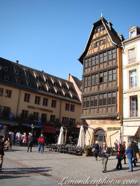 La Place de la Cathedrale