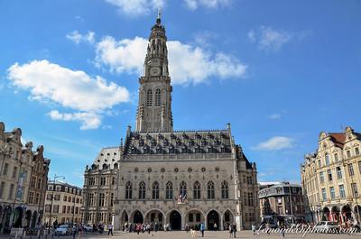 Arras - Place des HÈros - HÙtel de ville et beffroi