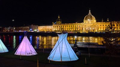 Ten tepees on the banks of the Rhône