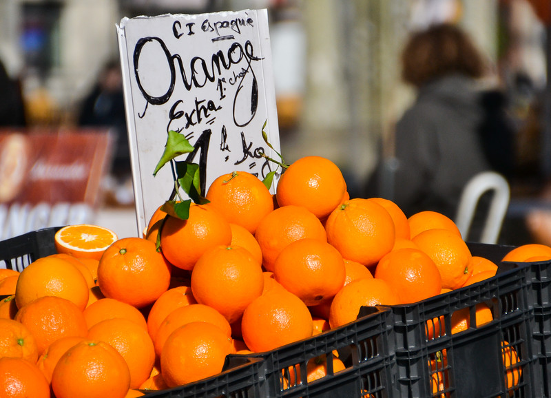 Oranges for sale in Montpellier<br /> Languedoc-Roussillon, South France