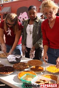1   Venice Beach   Feed the Beach  Thanksgiving Event   Photos by Venice Paparazzi (50)