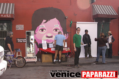 0   Send a photo to someone you love   Free photo, card, stamp and envelope   Photo by Venice Paparazzi (4)