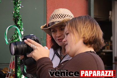 0   Send a photo to someone you love   Free photo, card, stamp and envelope   Photo by Venice Paparazzi (21)