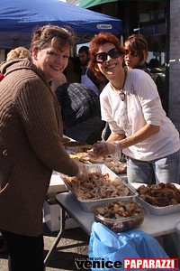 1   Venice Beach   Feed the Beach  Thanksgiving Event   Photos by Venice Paparazzi (47)