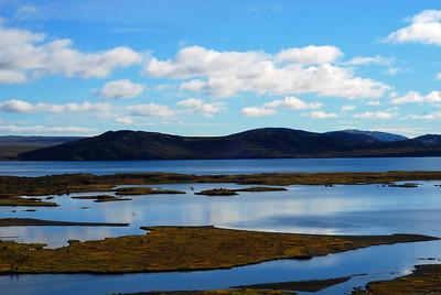 Þingvallavatn og Arnarfell í bakgrunni
