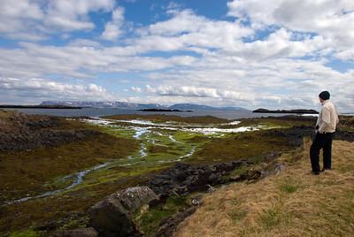 Horft út fjöruna frá Þingvöllum í Helgafellssveit