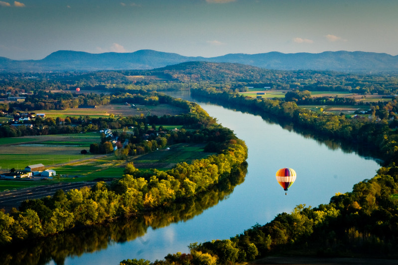 Balloons over the Connecticut