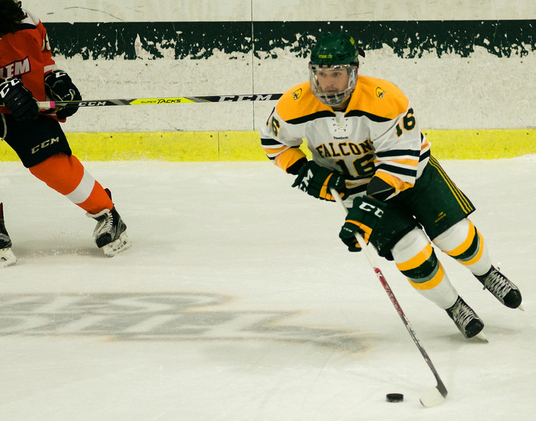 Fitchburg State's Mike Fretz in action during the game against Salem State on Thursday evening. SENTINEL & ENTERPRISE / Ashley Green