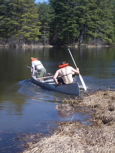WW2008 at UNH. Dartmouth men's team (Phil and Chris) launch into the portage.