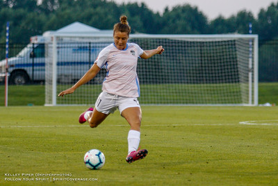 Houston Dash midfielder Sofia Huerta (11) at Maureen Hendricks Field in Boyds, MD, on July 20, 2019.