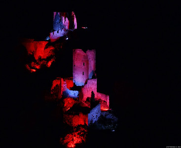 FZ50 - Lastours, Cathar Castle by Night (Sound and light) f/5.6 - 8s - 147 mm - 100 iso