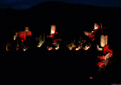 FZ50 - Lastours, Cathar Castle by Night (Sound and light) f/5.6 - 8s - 88 mm - 100 iso