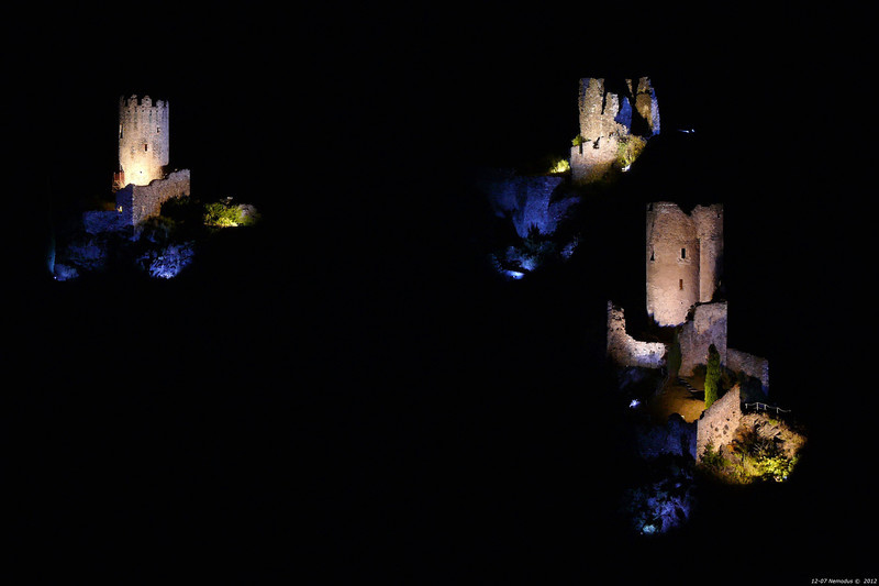 FZ50 - Lastours, Cathar Castle by Night (Sound and light)<br /> f/5.0 - 4s - 136 mm - 100 iso