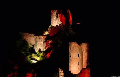 FZ50 - Lastours, Cathar Castle by Night (Sound and light) f/5.6 - 6s - 260 mm - 100 iso
