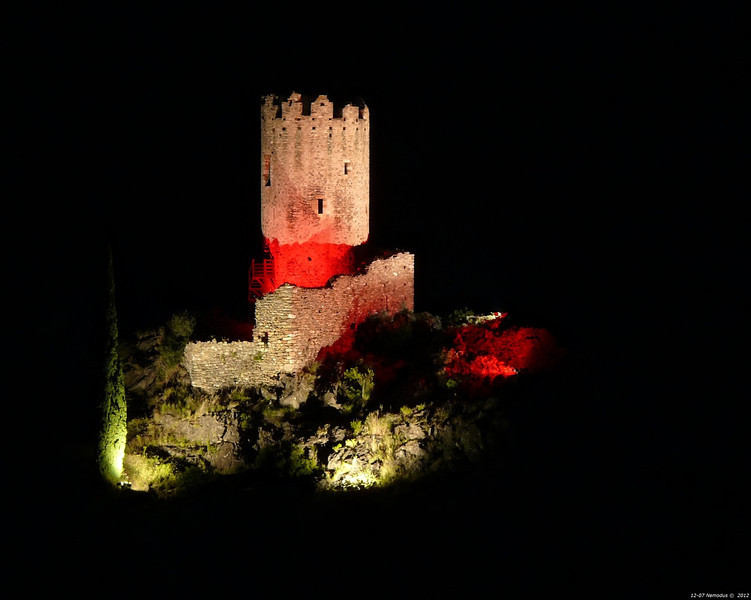 FZ50 - Lastours, Cathar Castle by Night (Sound and light)<br /> f/5.6 - 8s - 284 mm - 100 iso