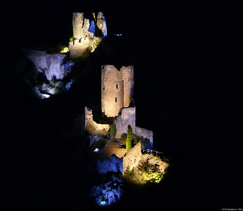 FZ50 - Lastours, Cathar Castle by Night (Sound and light) f/4.5 - 6s - 159 mm - 100 iso