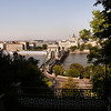 P1090315<br /> - Budapest  Chain Bridge<br /> - f/5.6 - 1/400 - 36mm - 100 ISO - 0 EV