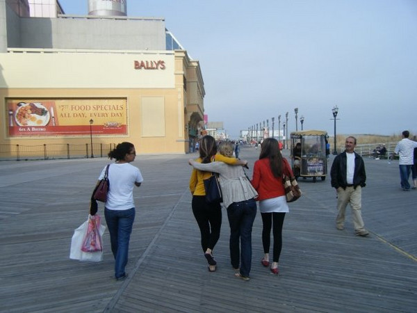 """Callie: """"Atlantic City boardwalk""""<br /> <br /> From Callie's FB album, """"""""Philly/NJ"""" (May 17, 09')"""