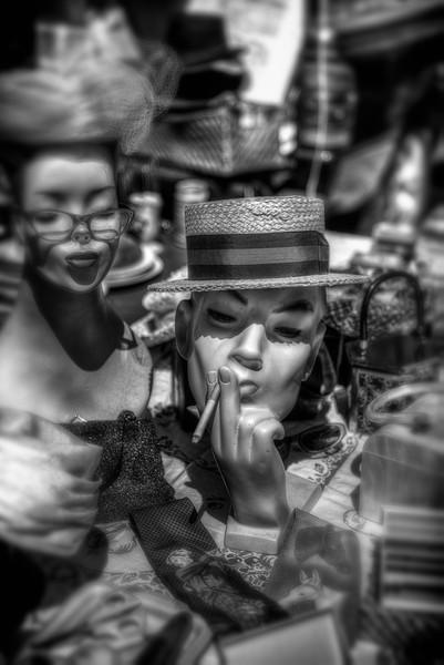 Manequin Smoking