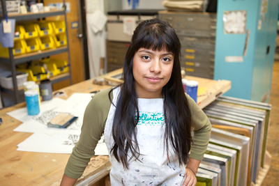 Sofia Ramirez Hernandez working in the Printmaking Lab.