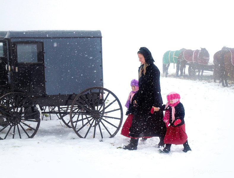 Amish Mother and Daughters