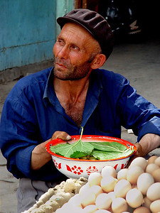 Egg vendor Kashgar DSC01763