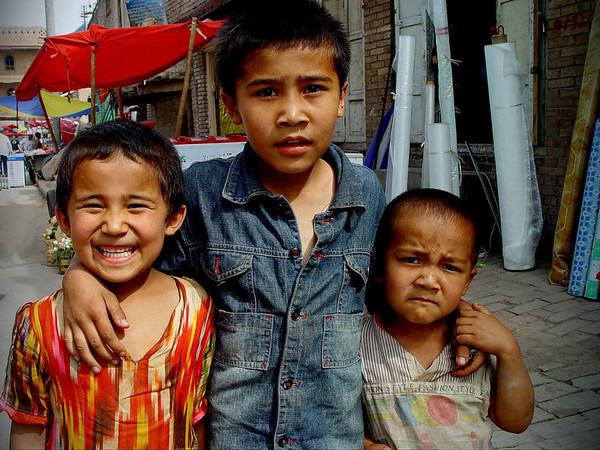 Street children Kashgar DSC01793