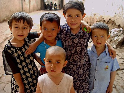 Street children Old Kashgar DSC01647