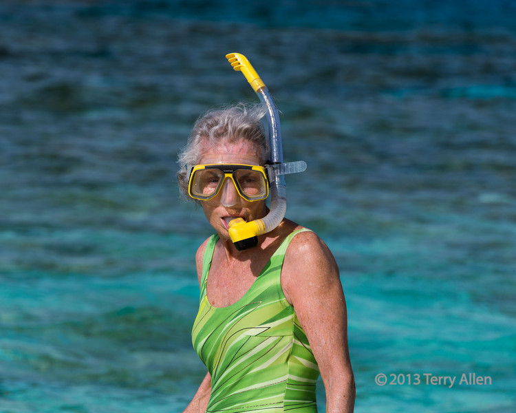 Snorkeling-off-the-sand-bar,-Laughlan-Is