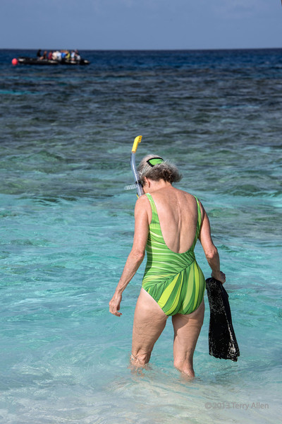Getting ready to snorkel-4, Bodaluna (Bodelun) Is., Laughlan Island, PNG