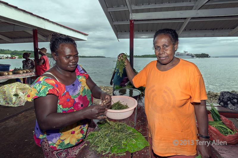 Women preparing Caulerpa sp. (sea grape), Ghizo Is, Solomon Islands