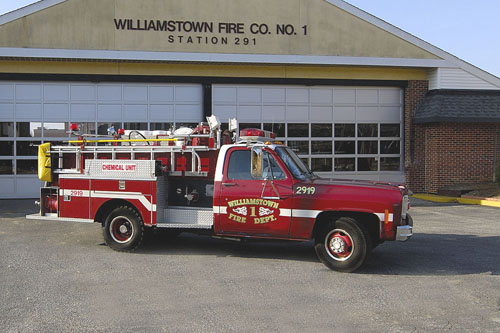 2919<br /> 1977 Chevy Chemical Truck 350 lbs of Purple K, 40 Gallons AFFF Foam 250 Gallons of Water, 400 GPM Pump