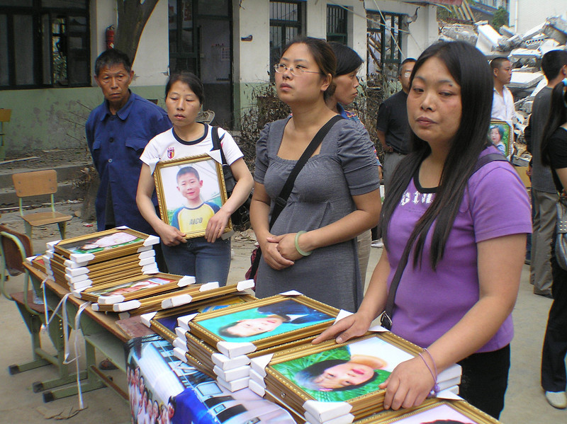At Xinjian Primary School, the parents were inspired by the march and protest organized by the Fuxin parents, started to organize their own petition and protest.
