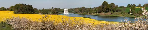 Schleswig-Holstein, Rapsfelder bei Warleberg; ein Schiff auf dem Nord-Ostsee-Kanal.
