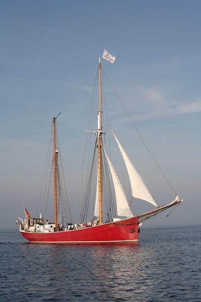 02.10.2011, Kiel; die RYVAR auf einem Toern in der Kieler Bucht. Die 1916 als Heringslogger gebaute RYVAR wurde 1995 zum Segelfahrzeug umgebaut. Der Heimathafen des Traditionsschiffs ist Flensburg. (Quelle: www.ryvar.de)