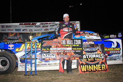 Shirley Dominates at Fairbury for $10,000 DIRTcar Summer Nationals Triumph