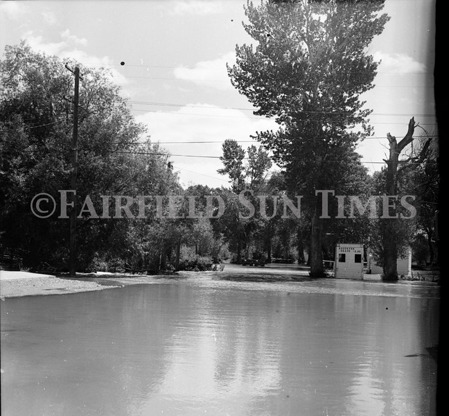 FF Sun Times 1975 Augusta and Sun RIver Flooding_20151112_0026