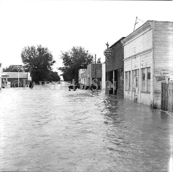 FF Sun Times 1975 Augusta and Sun RIver Flooding_20151112_0049